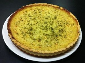 Rice almost tart recipe. If you are a fan of almonds and want to try a recipe with a very interesting and unique texture then this tart is for you.