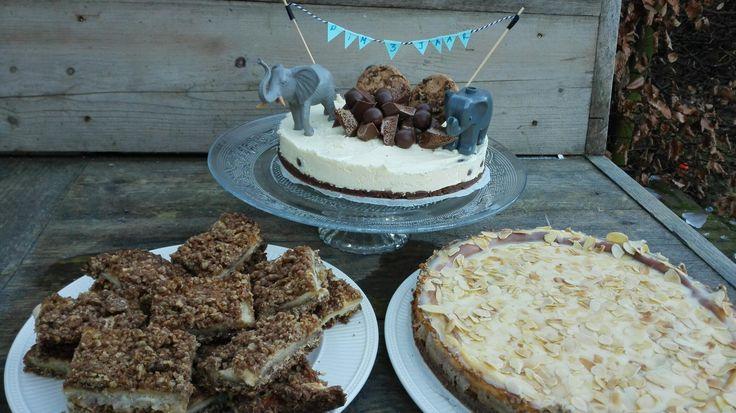 Verjaardagstaarten Pim #Amaretto cheesecake #Appelkoeken met havermout en spijs #Witte chocolade cheesecake met bros
