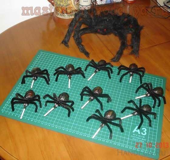 Мастер-класс: Паучки из чупа-чупсов на Хэллоуин