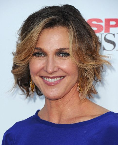 Brenda Strong Curled Out Bob