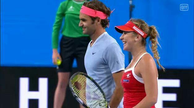 Roger Federer / Belinda Bencic defeats Dan Evans / Heather Watson 4-0 4-1 in mixed doubles. Team Swiss wins 3-0