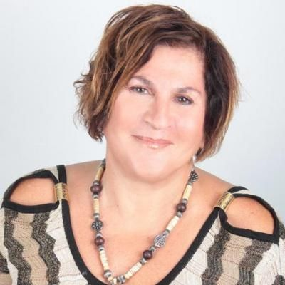 Get professional coaching from a hypnotherapist when you hire Roselyne Kattar. She helps with smoking, weight loss, relationships and more. Learn more about her life coaching business today.