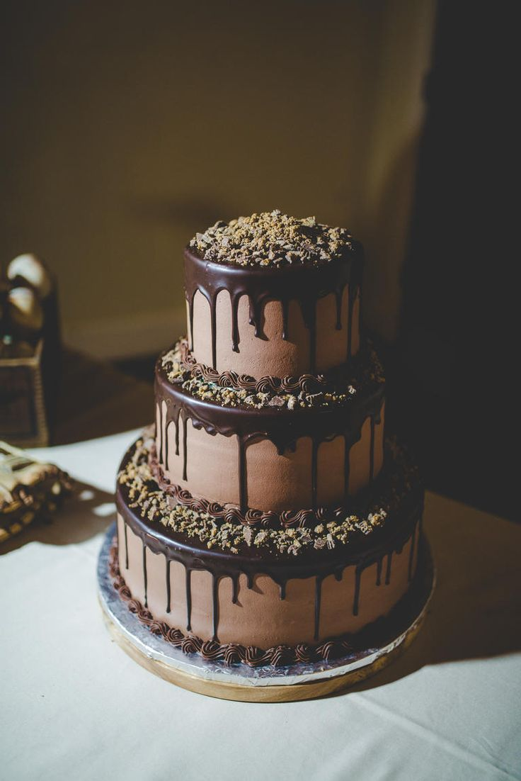 chocolate drip wedding cake ideas 25 best ideas about chocolate wedding cakes on 12699