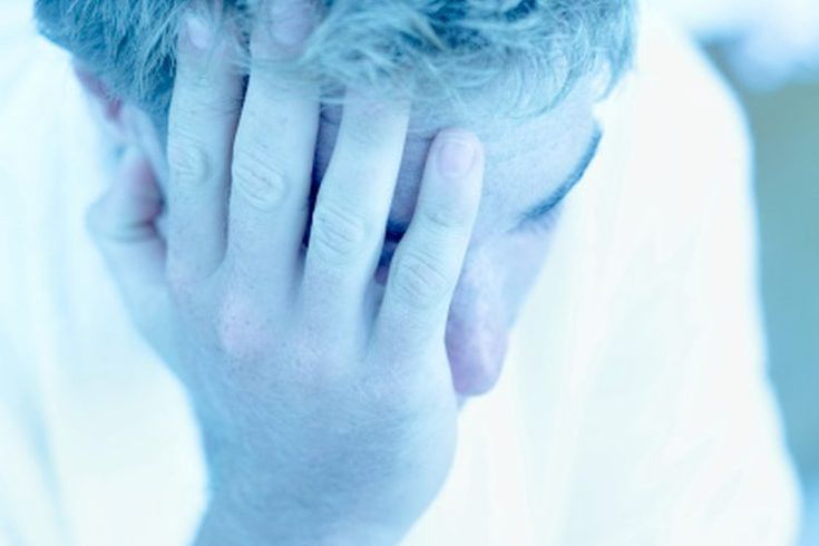 Las causas de mareo y fatiga . El mareo y la fatiga pueden resultar de una falta de líquidos o una enfermedad relacionada con la salud. Los mareos y la fatiga pueden ser causados por la deshidratación. Las personas que sufren de síndrome de fatiga crónica o uno de varios tipos de anemia pueden ...