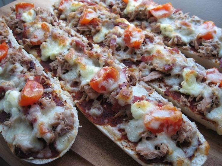 Patonkipizzaan voit valita itsellesi mieluiset täytteet! Käyttäjältä Mailo.