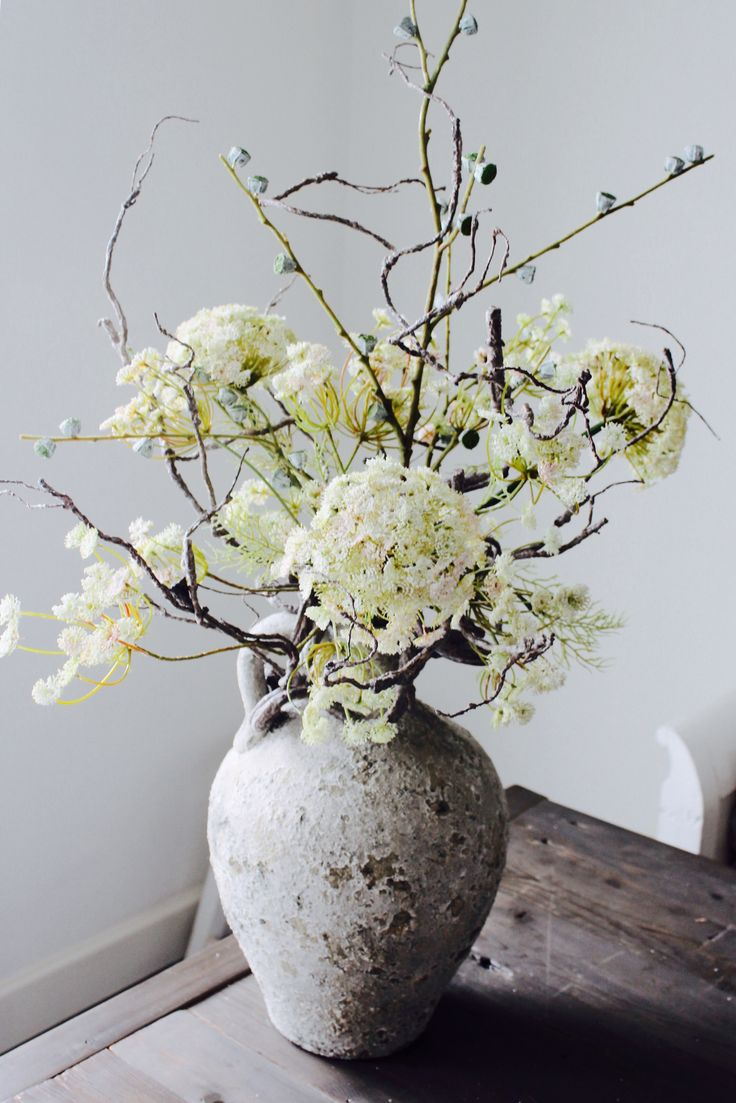 Www.annefleurs.nl  Zijden bloemen, silk Flowers, classic jar, kruikvaas, dille, schermbloemen, hip, trendy