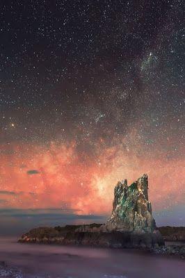 Milky Way over Cathedral Rocks, Kiama Downs, New South Wales, Australia.