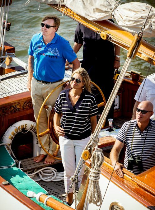 In beeld: koninklijke familie bij Sail Amsterdam 2015 - aug 22Elsevier.nl