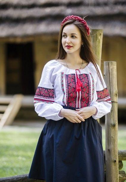 """Благородна жіноча вишиванка """"Колискова"""""""
