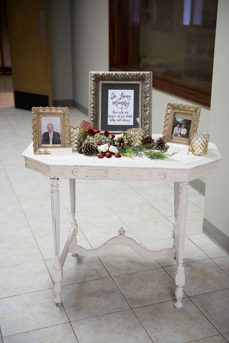 In loving memory table at wedding. Wedding memory table