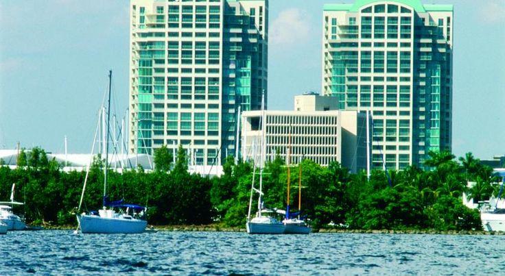 HOTEL|アメリカ・マイアミのホテル>ビスケーン湾を一望できるホテル>ザ リッツ カールトン ココナッツ グローヴ マイアミ(The Ritz-Carlton Coconut Grove, Miami)