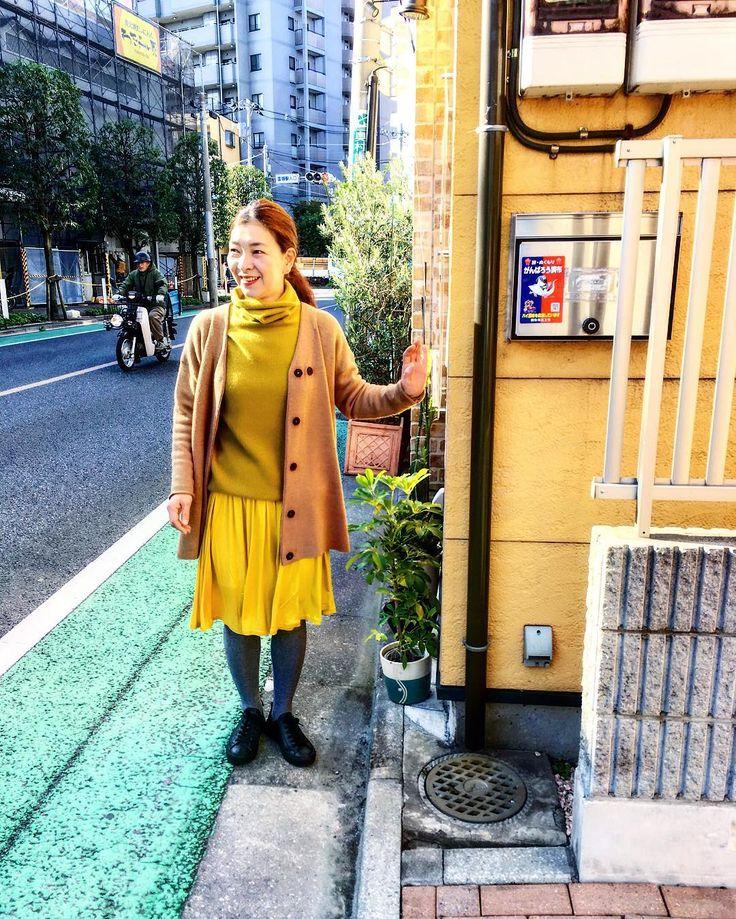 日本らしいポストがお似合いです寒くなると食べたくなる鍋のような存在のカシミアタートルセーター残りわずか! #like4like #likeforlike #likes #outfit #instagood #knitwear #tokyo #tokyostyle #japan #japanstyle #coordinate #style #styling #urbanchics #アラフォー #アラフィフ #国領 #調布市 #アーバンチックス アラフィフコーデ#アラフォーコーデ
