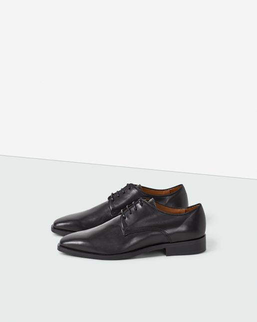 Filippa K inspiration - The look of now: Workwear blues.  Sharp lace-up shoe with chunky leather sole and 2.6 cm stacked leather heel. Soft calf leather upper. Calf leather lining and insock. Black laces in waxed cotton.