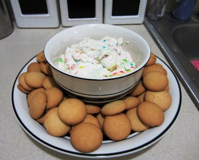 Cake Batter Dip!  This was good.: Cakes Mixed, Favorite Things, Week Parties, Yummy Sweet, Cakes Batter Dips, Cake Batter Dip, Delish Desserts, Pinstersist, Desserts Tonight