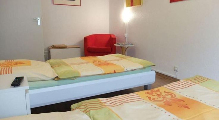 Cityapartment Köln Köln This self-catering apartment is located in Cologne city centre. It offers free Wi-Fi and a fully equipped kitchen.  The Cityapartment Köln is a 2-room apartment with a modern bathroom and a flat-screen TV.