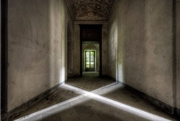 "Photography by Daan Oude Elferink, ""Cross of Light."""