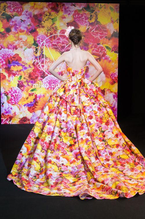 蜷川実花が手掛けるブランド「M / mika ninagawa」からウエディングコレクションデビュー 写真15
