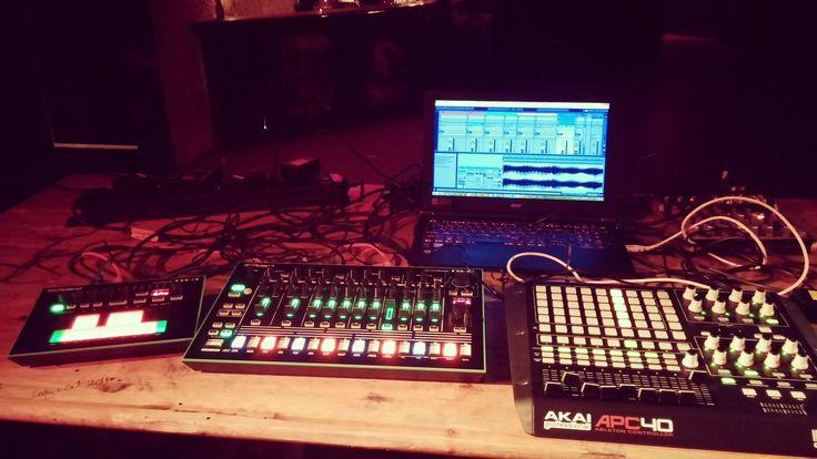 Roland Aira TR-8 & TB-3 & Akai APC 40 #rolandaira #tr8 #drummachine #roland #akai  #apc40 #midicontroller #ableton #abletonlive #electronicmusic #synth #synthesizer #urbanspree #berlin #friedrichshain #livegig #party #berlintechno