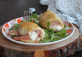 Ricetta fagottini di pollo farciti facilissimi e veloci. Saporiti, cremosi, profumati: questi rotolini di pollo con mortadella e stracchino sono speciali.