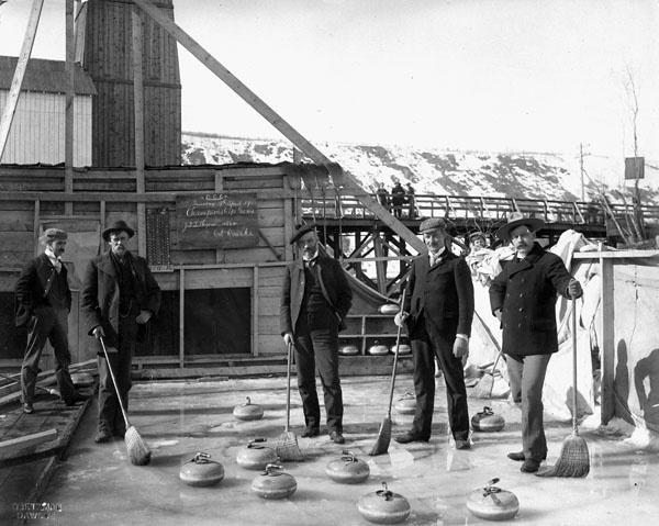 Photograph of a Dawson Curling Club championship game, 1901