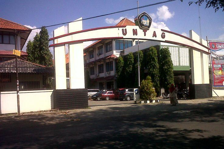 Kampus Untag Cirebon Jalan Perjuangan, Kecamatan Kesambi, Kota Cirebon, Jawa Barat, Indonesia. photo cp 19 Juli 2014