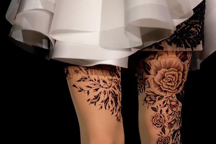 rose tattoo stocking...intresting..