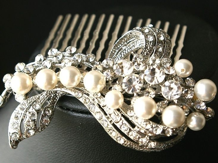 Fantastic Bridal Pearl Hair Accessory