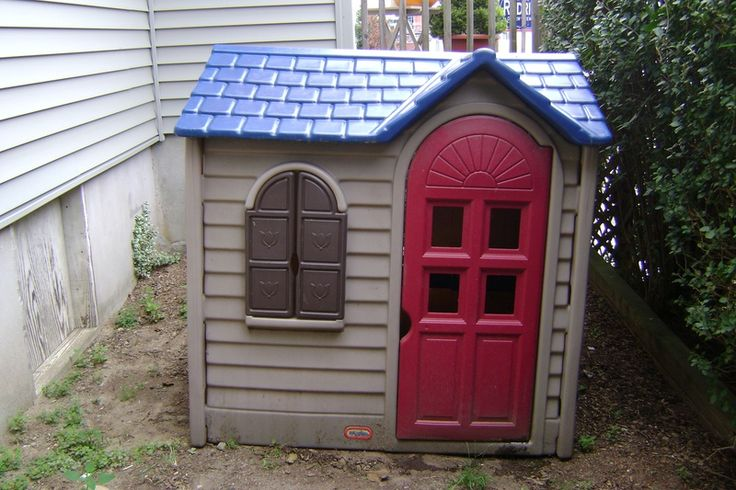 Painting of Little Tikes Playhouse Product Selections for Outdoor