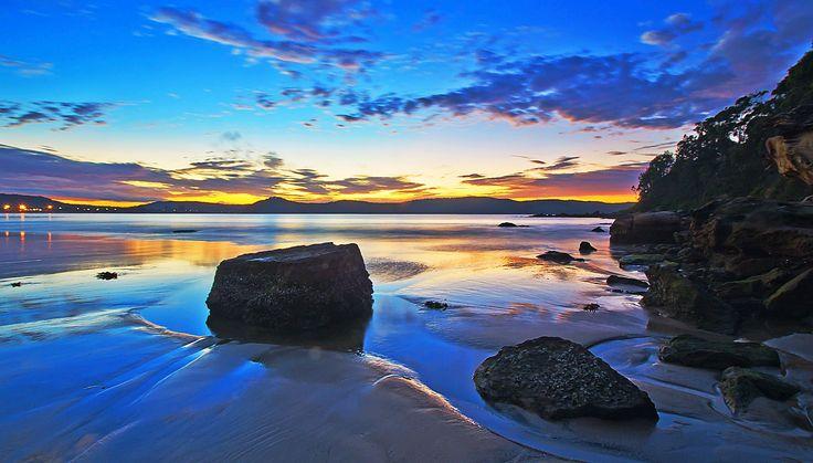 Sunrise reflection by Pepe Rojas / 500px