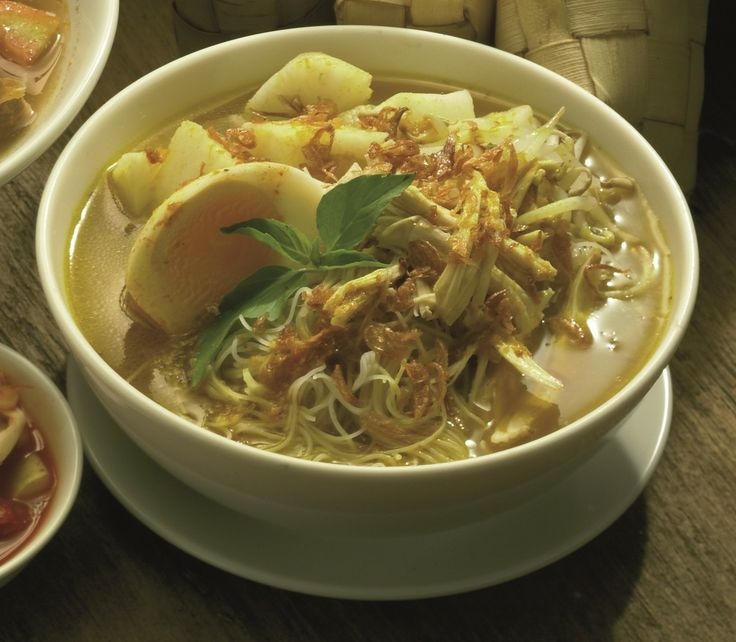 Want something a bit different for lunch? Come to Kafe Betawi and order Laksa Betawi!
