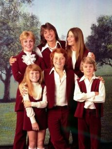 The Partridge Family First episode: September 25, 1970 Final episode: March 23, 1974  Theme songs: When We're Singin, C'mon, Get Happy