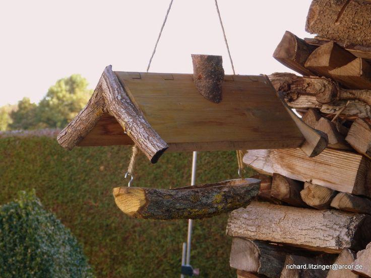 Vogelfutterhaus, Futterstation von Ritsche Ratsch Holzkunst auf DaWanda.com
