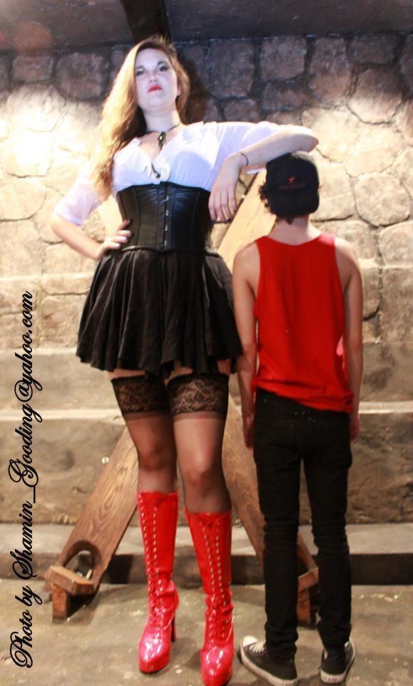 Femdom sybian mistress strap-on