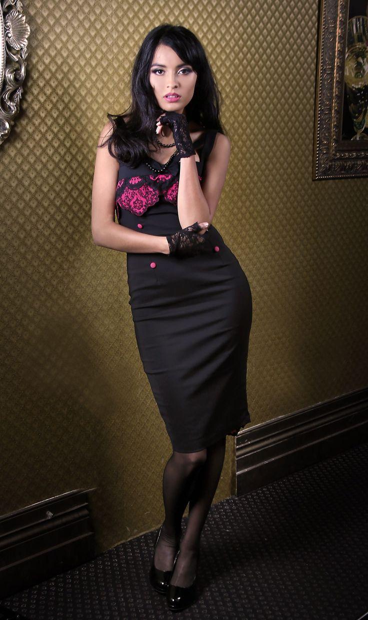 Bella Señora Wiggle Dress