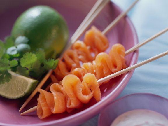 Marinierter Lachs ist ein Rezept mit frischen Zutaten aus der Kategorie Dressing. Probieren Sie dieses und weitere Rezepte von EAT SMARTER!