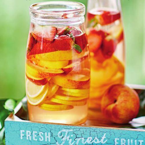 Recept på Kvass med citron, persika och jordgubbar - MatHem