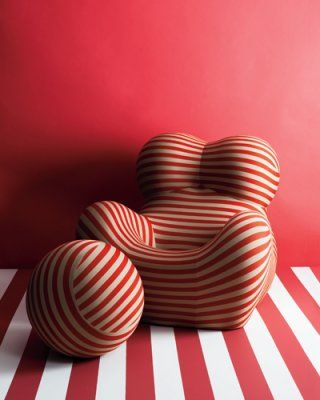 Gaetano Pesce- UP5&6 fotel lábtartóval