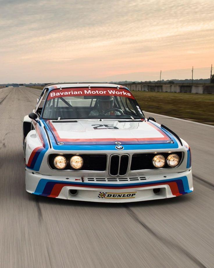 Die letzte Runde vor #sunset, also gib alles, was du hast. #BMW # 3.0CSL #bmwm #mpower #bmwcl