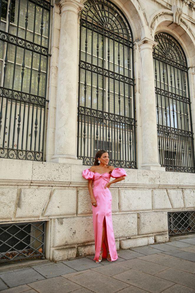 Así se lleva un 'Candy dress' en una boda de tarde - Mypeeptoes - Paula Ordovás Blog Gala Dresses, Evening Dresses, Summer Dresses, Formal Dresses, Designer Party Dresses, Fashion D, Elegant Bride, Prom Dreses, Bridesmaid Dresses