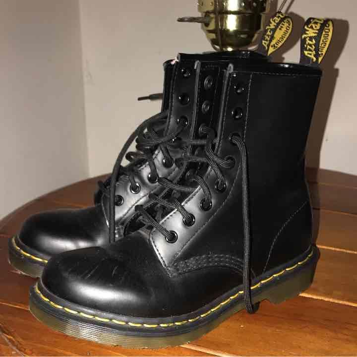 Doc Martens Uk 5 ladies 7 black boots - Mercari: Anyone can buy & sell