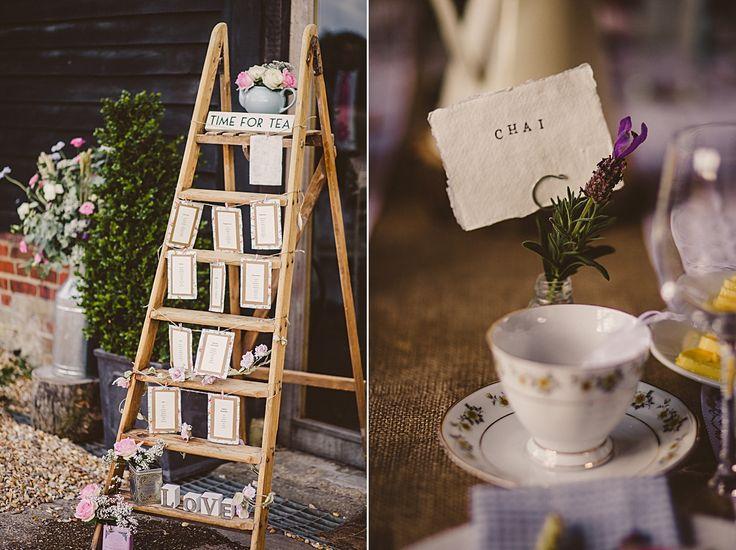 wedding seating plan - wedding seating chart ideas   #rusticweddinginspiration #barnweddings