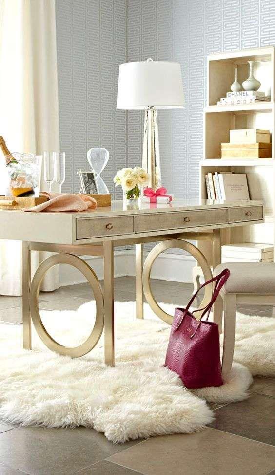 Idee per arredare la camera da letto con il color champagne - Arredo avorio e champagne