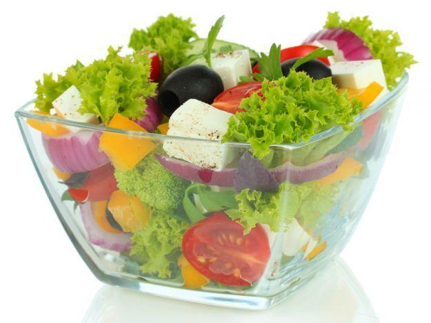 20 przepisów na letnie sałatki