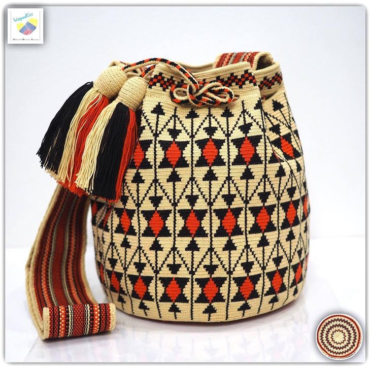 Wayuu bag single thread รุ่น Premium quality ⭕️Sold out⭕️ •ฐาน 8.5นิ้ว สูง 10.5 นิ้ว •สายยาว 110 cm. •ฟรี Ems ขอบคุณคุณลูกค้ามากๆค่ะ Unique style by wayuukiss FB ➡️ WayuuKiss Line ➡️ @wayuukiss ( มี@นำหน้าค่ะ) IG ➡️ wayuukiss =accept credit card,paypal== #wayuukiss #wayuubag #popularbikini #กระเป๋าพลอยเฌอมาลย์ #colombia #importthailand #summerbag #hotitem #mochilabag #mochilas #bikini #kinni #wayuubikini #popularbikini #กระเป๋าพลอยเฌอมาลย์ #colombia #importthailand #summerbag #hotitem ...