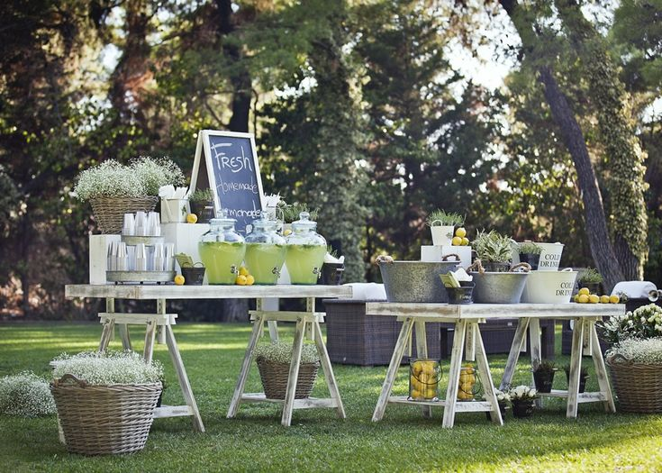 country wedding drink bar, lemonades and lemons