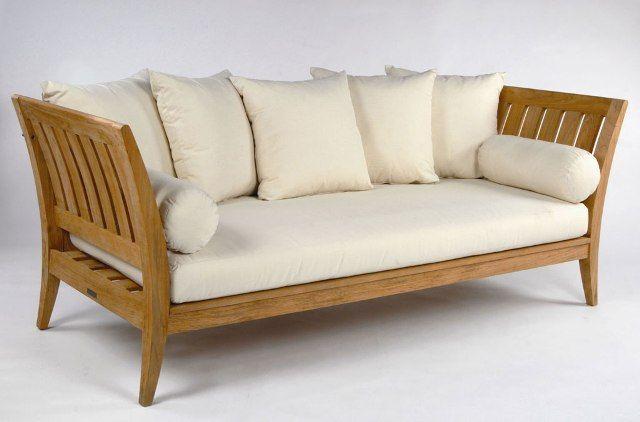 Sofa Bangku Jati Minimalis SFK-007 ini mengusung desain modern minimalis terbuat dari kayu jati berkualitas dengan finishing natural