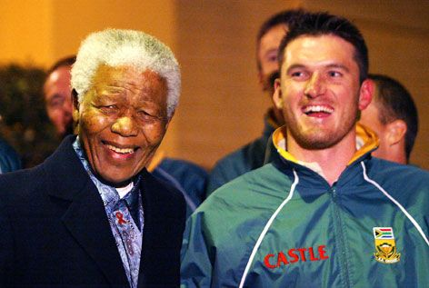 Proteas test skipper Graeme Smith sharing a laugh with Madiba