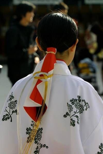 Japanese shrine maiden hairstyle
