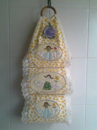 17 migliori idee su decorazioni per porte in tela su - Albero porta carta igienica ...