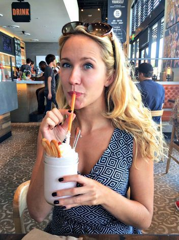 Girl Talk with Anna Camp: She Spills All About Pitch Perfect 2 and Dating Skylar Astin